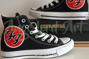 ange-lord-foo-fighters-900x600-converse